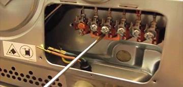 Подключение и контроль кабелей электрических кухонных плит