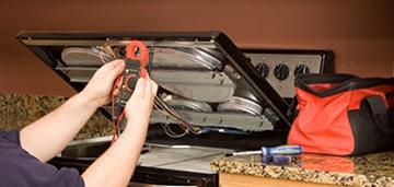 Почему выключается электроплита после включения духовки и как это исправить