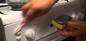 Уход за газовой плитой: мытье поверхностей и чистка жиклеров