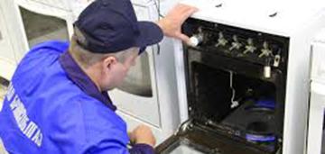 Запах газа во время или после работы духовки - тревожный симптом